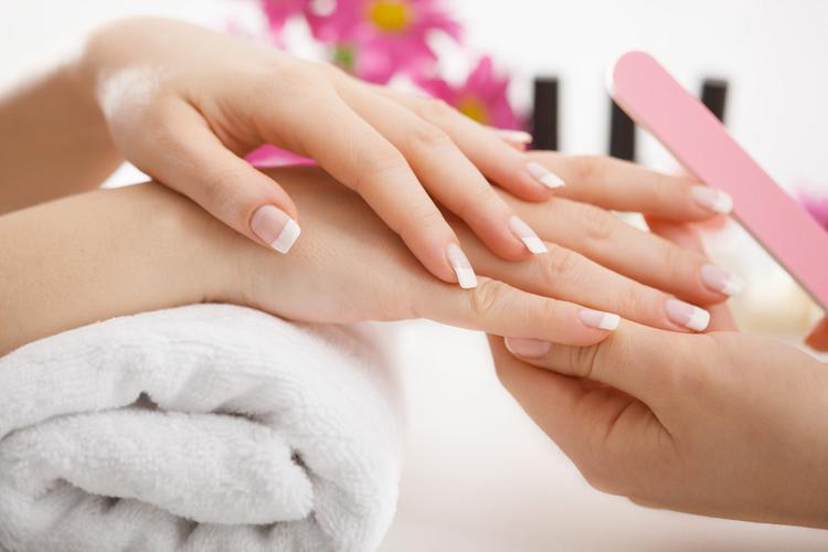 profesjonalna pielęgnacja paznokci